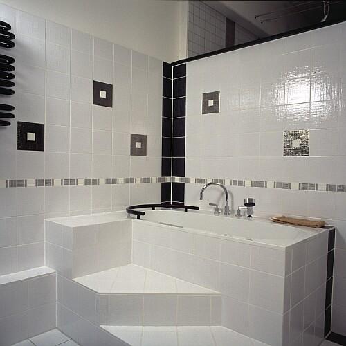Weisse Hochglanzfliesen Bad ~ Kreative Bilder Für Zu Hause Design
